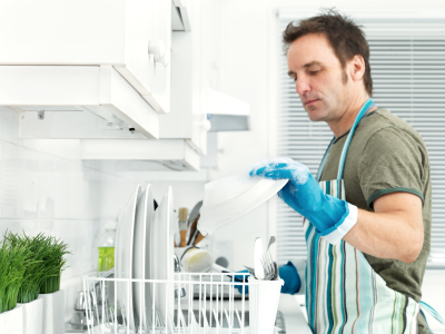 IStock_000009558748XSmall man.wash.dishes